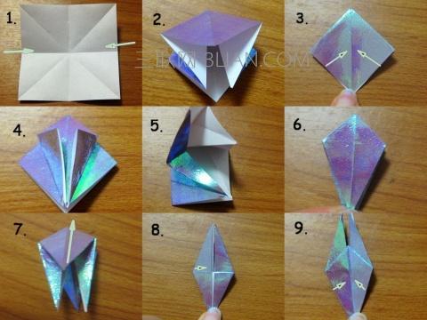 折纸教程 > 千纸鹤怎么折    1:正方形纸折出这样的四条折痕   2,3:将