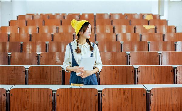 Photoshop调出校园人像照片甜美小清新效果,PS教程,素材中国网